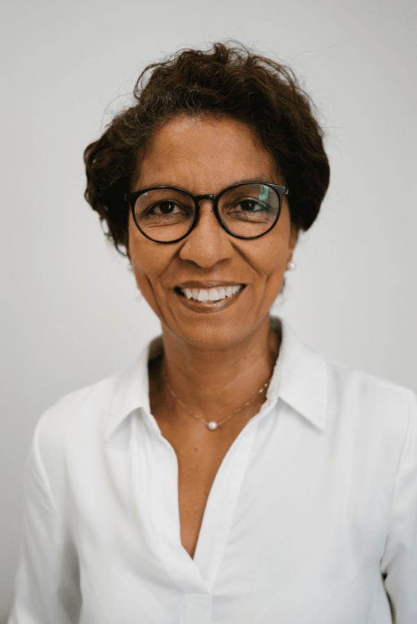 Doctora Miriam Quiñones